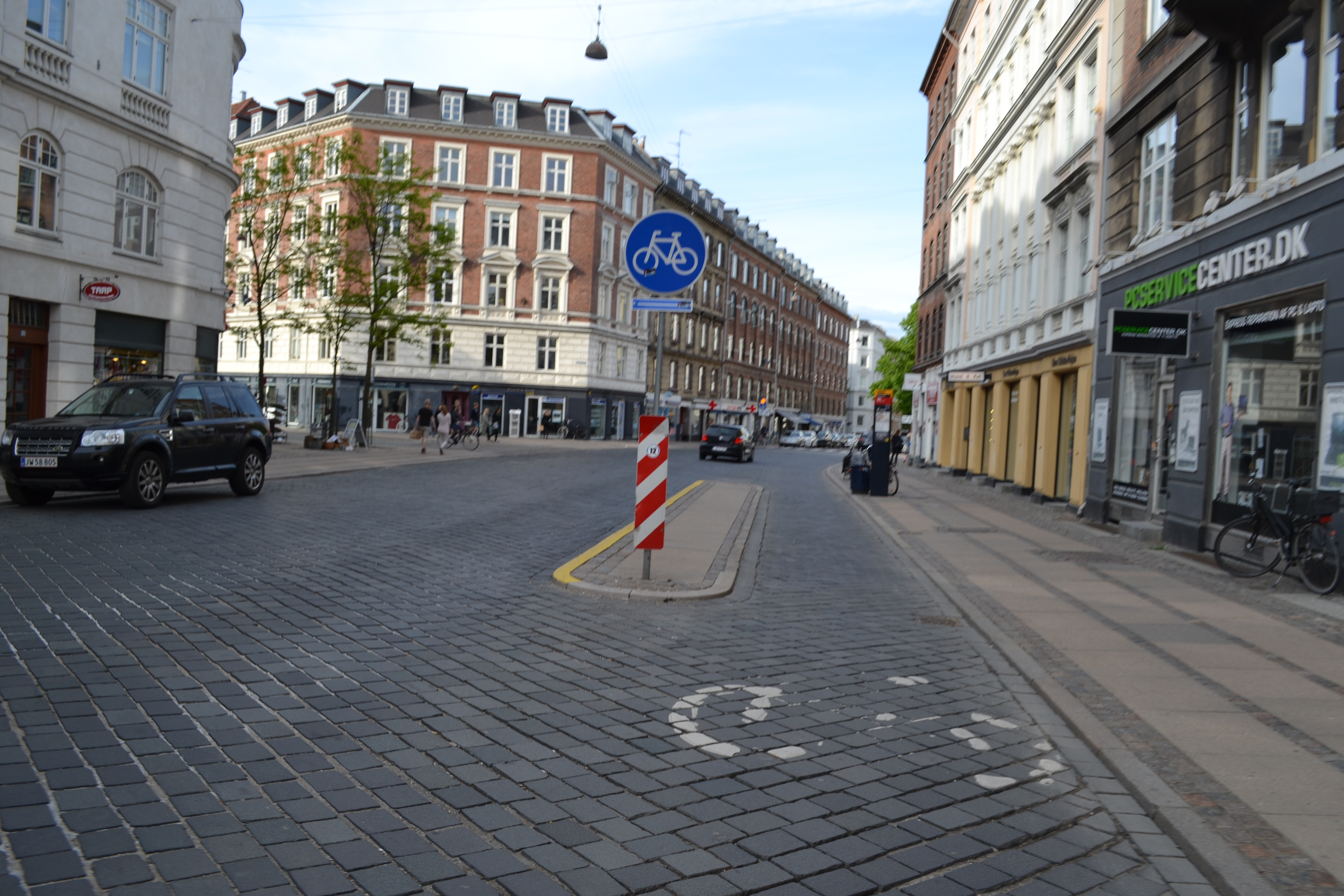 Bus stop with bicycle lane