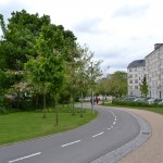 Promenade with cyclist and pedestrian separation