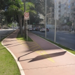 Bicycle path splitting from a bidirectional to the two unidirectional paths